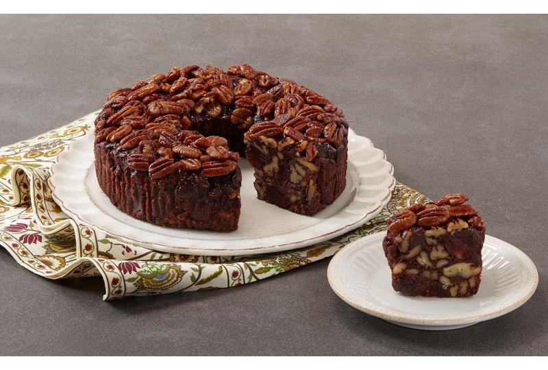 Strawberry Fudge Pecan Cake New Flavor Release Preview