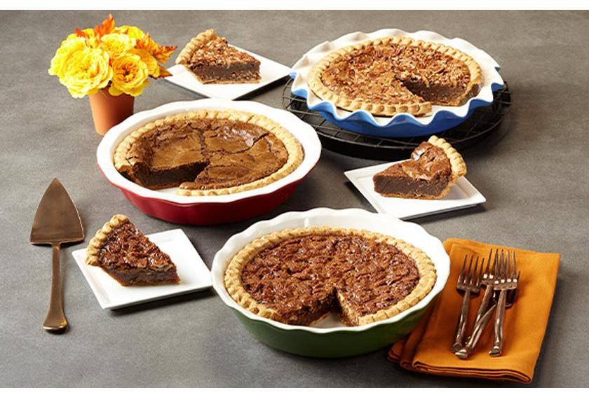 Deep Dish Trio of Pies Fall Display