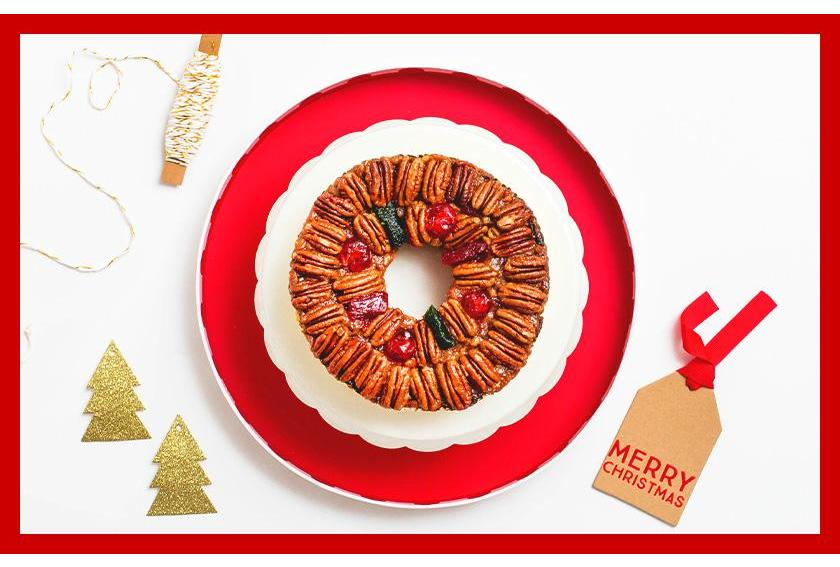 Holiday Sweet Tooth Traditions DeLuxe Fruitcake
